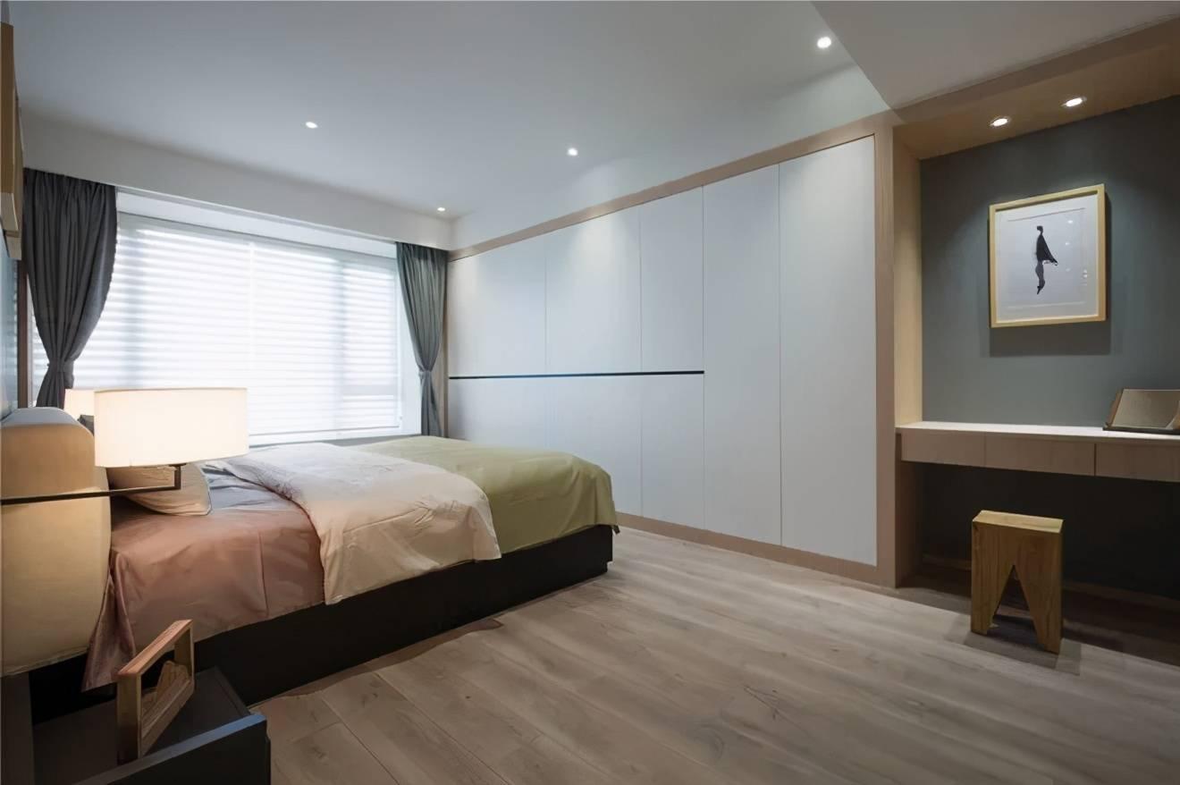 卧室衣柜差点白打了!还好改成嵌入式,省出好大一片空间