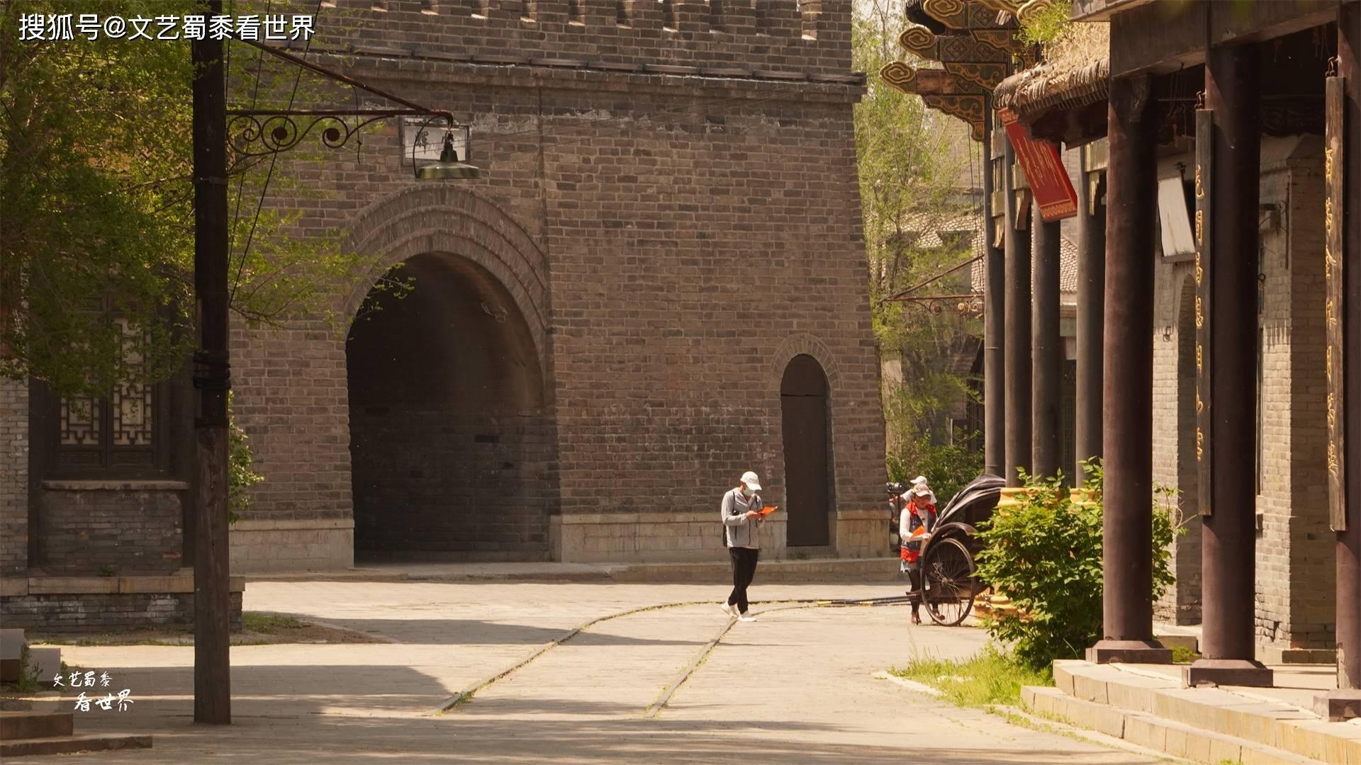 13年前赵本山花3亿建的,如今虽有点破败,却更像民国时期的盛京