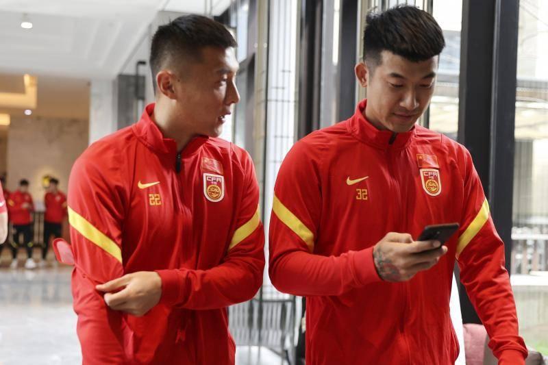 国足放假一天众将游戏放松 武磊吴曦被公认队内乒乓高手