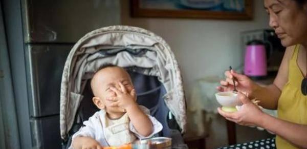 8個月寶寶體重23斤,體檢時被醫生批:米糊沒什么營養,要少吃