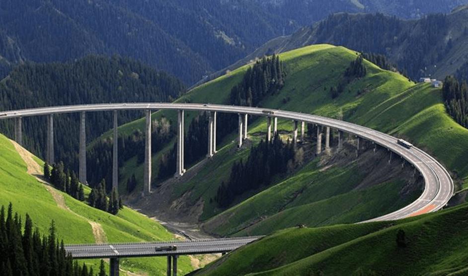 我国最长的高速公路:全长4395千米工期16年,沿线风景极其惊艳!