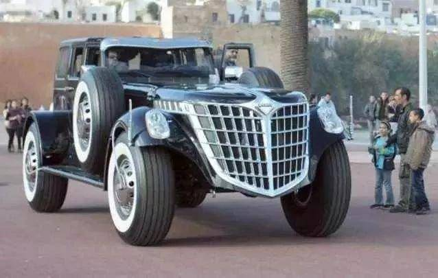 他曾打造纯黄金跑车,最贵的是劳斯莱斯银魅,如今又花10亿造豪车