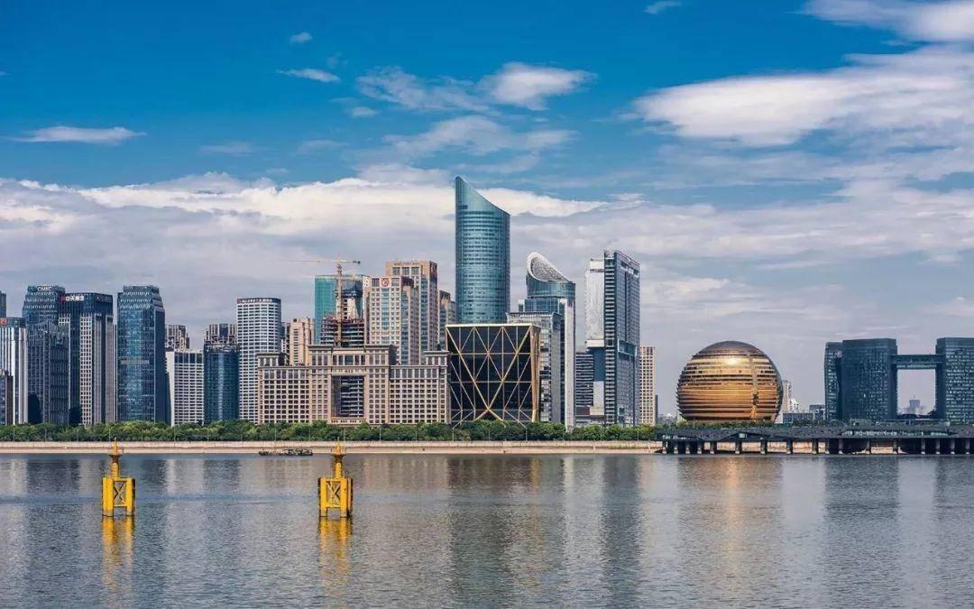 杭州2021gdp规划_浙江杭州与山东青岛的2021年一季度GDP谁更高