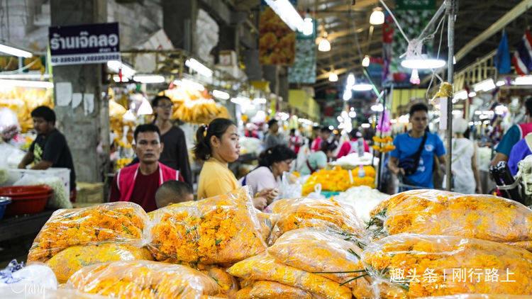 曼谷最大的花市,不仅有鲜花免费欣赏,卖花姑娘也是一道风景