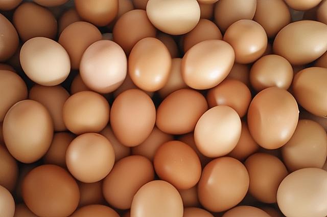 猪肉跌至12元,鸡蛋涨破5元,牛羊肉同比高涨,猪价下跌惹的祸?