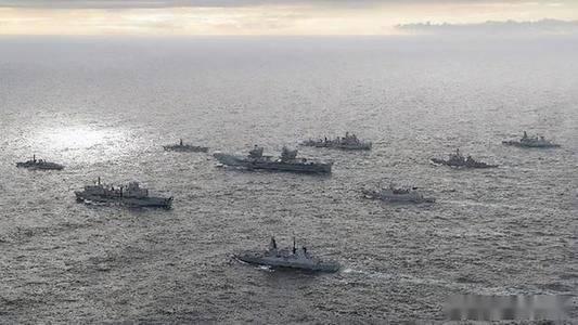 英国航母群已经远航,但舰机却接连出事,似乎真有