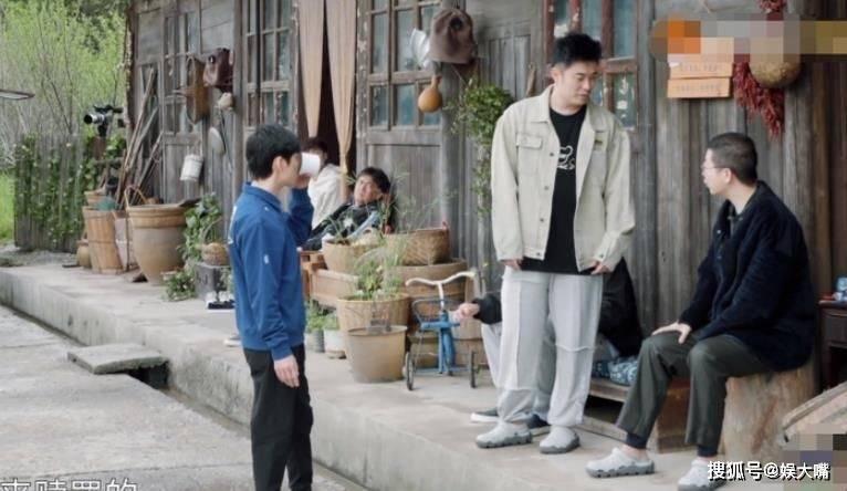 李雪琴做的凳子被陈赫吐槽!何炅对他的态度在节目中第一次出现