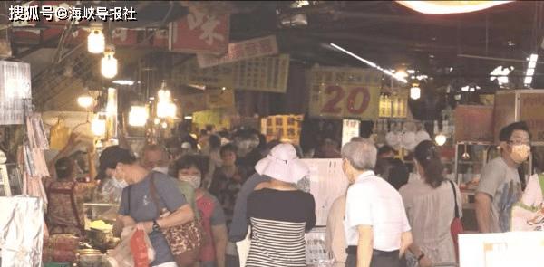 才警告端午节别群聚!台湾菜市场人潮多到像在跨年