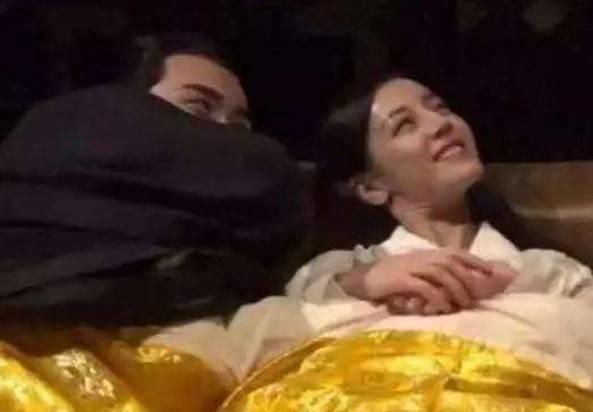 """""""睡觉戏""""到底怎么拍的?看了演员的表情,还真需要""""演技"""""""