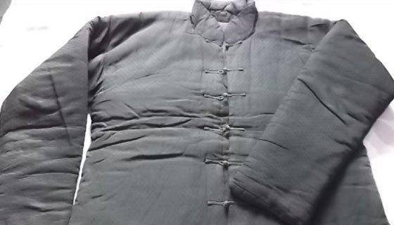爷爷去世后, 奶奶拆开他的棉袄口袋, 瞬间老泪纵横