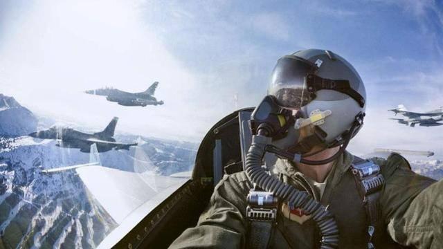 為向俄羅斯炫技,B-52轟炸機70米低空急轉彎,60秒後狠狠砸向地面