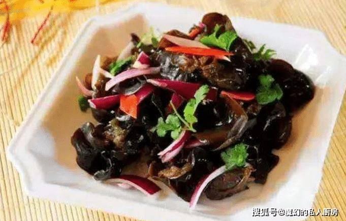 洋蔥和它是絕配,等於血管「清潔劑」,每週吃2次,血管更通暢了