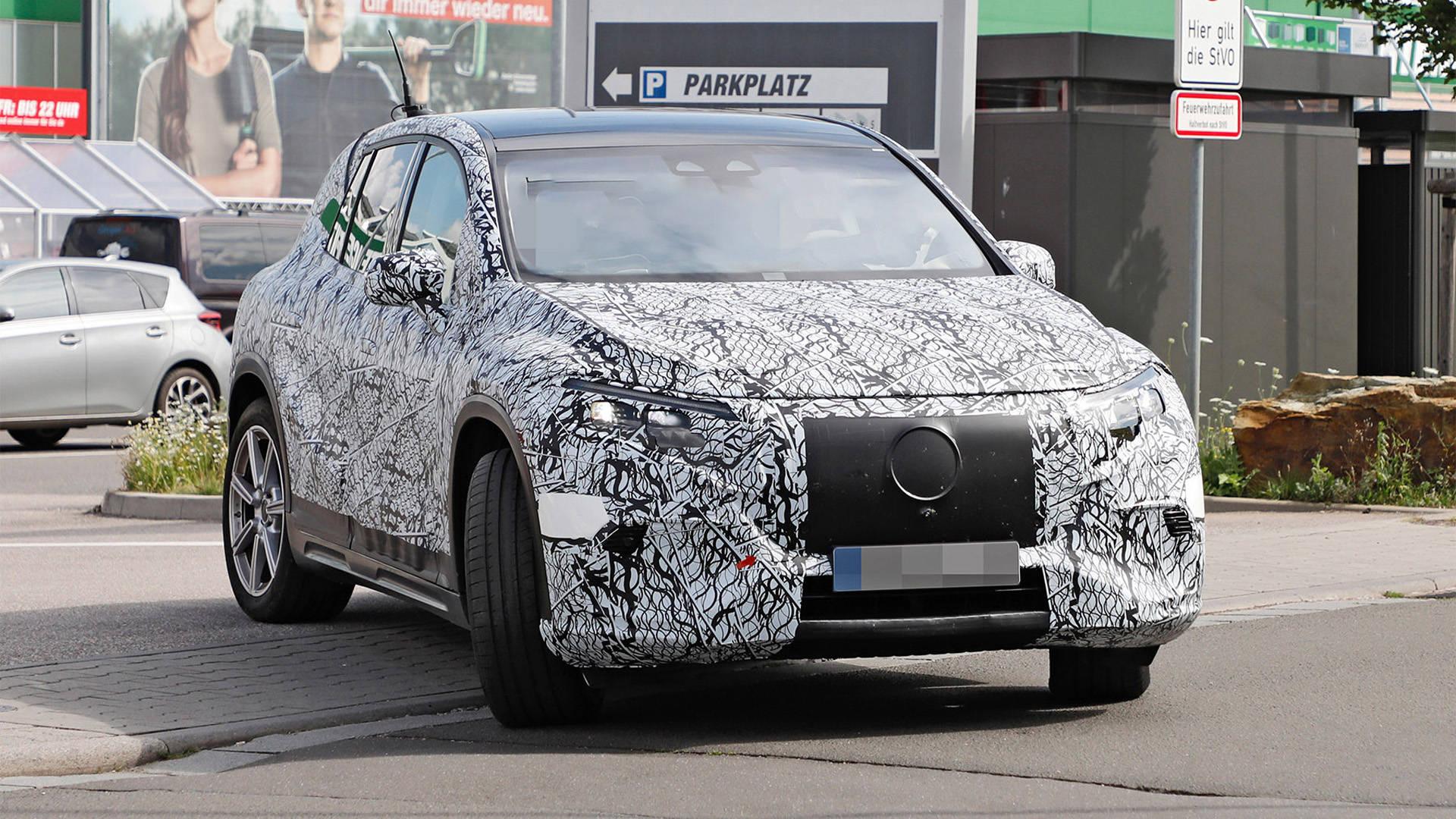 奔驰全新旗舰纯电SUV首度现身,预计2022年全球亮相5ya