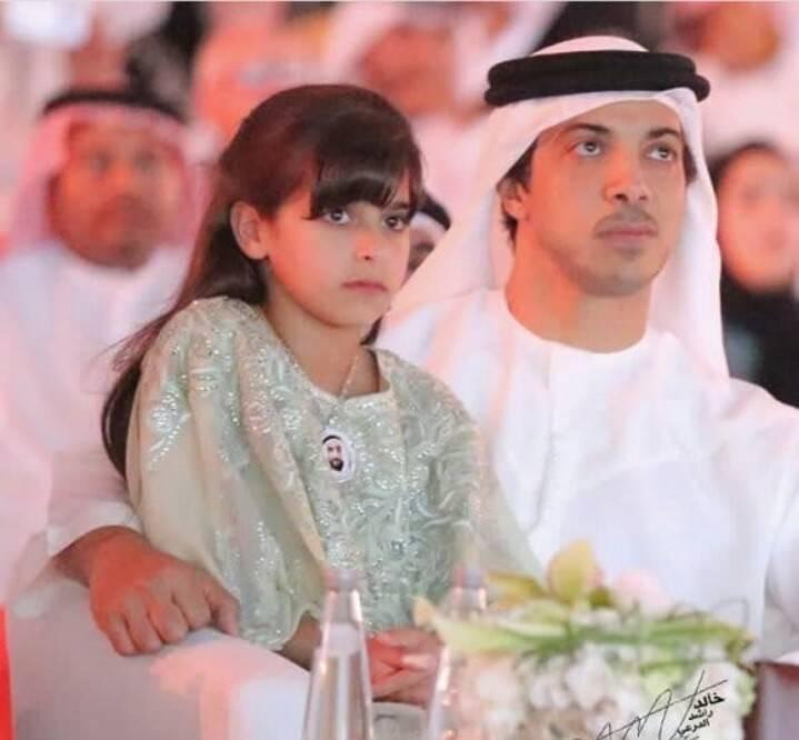 十年五冠,阿联酋富豪曼苏尔09年2亿买下的曼城如今市值多少??