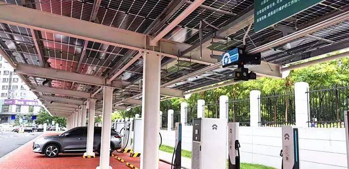 创新应用   国自挂轨巡检机器人助力新能源充换电站智能运维