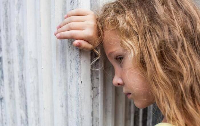 """内心""""缺爱""""的孩子 身上会有几种比较明显的特征 很难藏得住"""