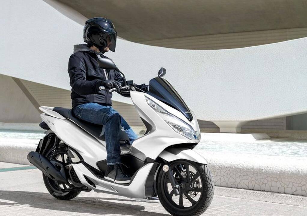 150CC引擎,水冷引擎+ABS的踏板!最大功率10千瓦,还是日系本田