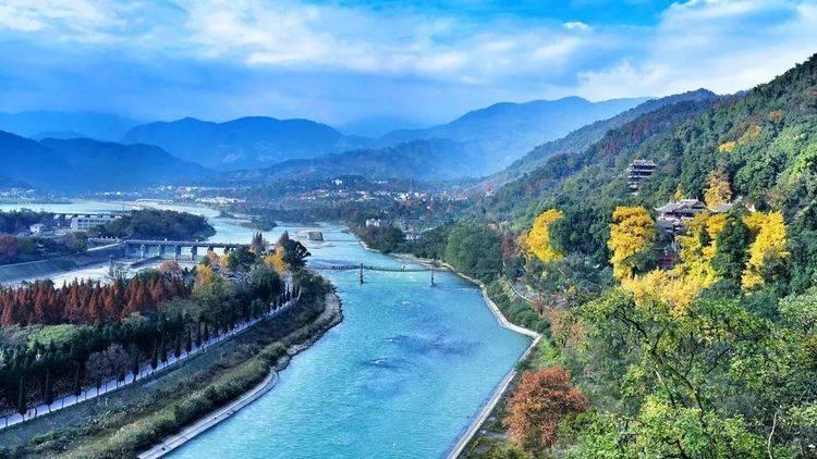 """号称成都""""小九寨""""的景区,位于都江堰市,景色绝美还不收门票"""