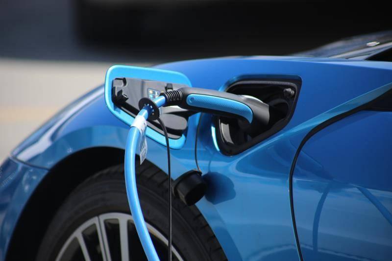 """行业   氢能全产业链热起来 企业纷纷布局氢能成为""""香饽饽"""""""