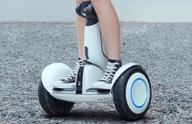 """""""黑科技""""九号平衡车:年轻人的酷玩挑战出行"""