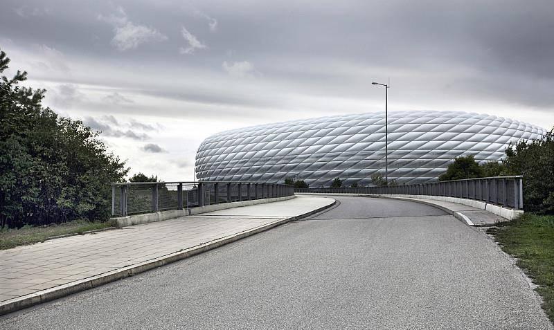 欧冠E组前瞻:拜仁慕尼黑有望争第一,巴塞罗那需要抢第二