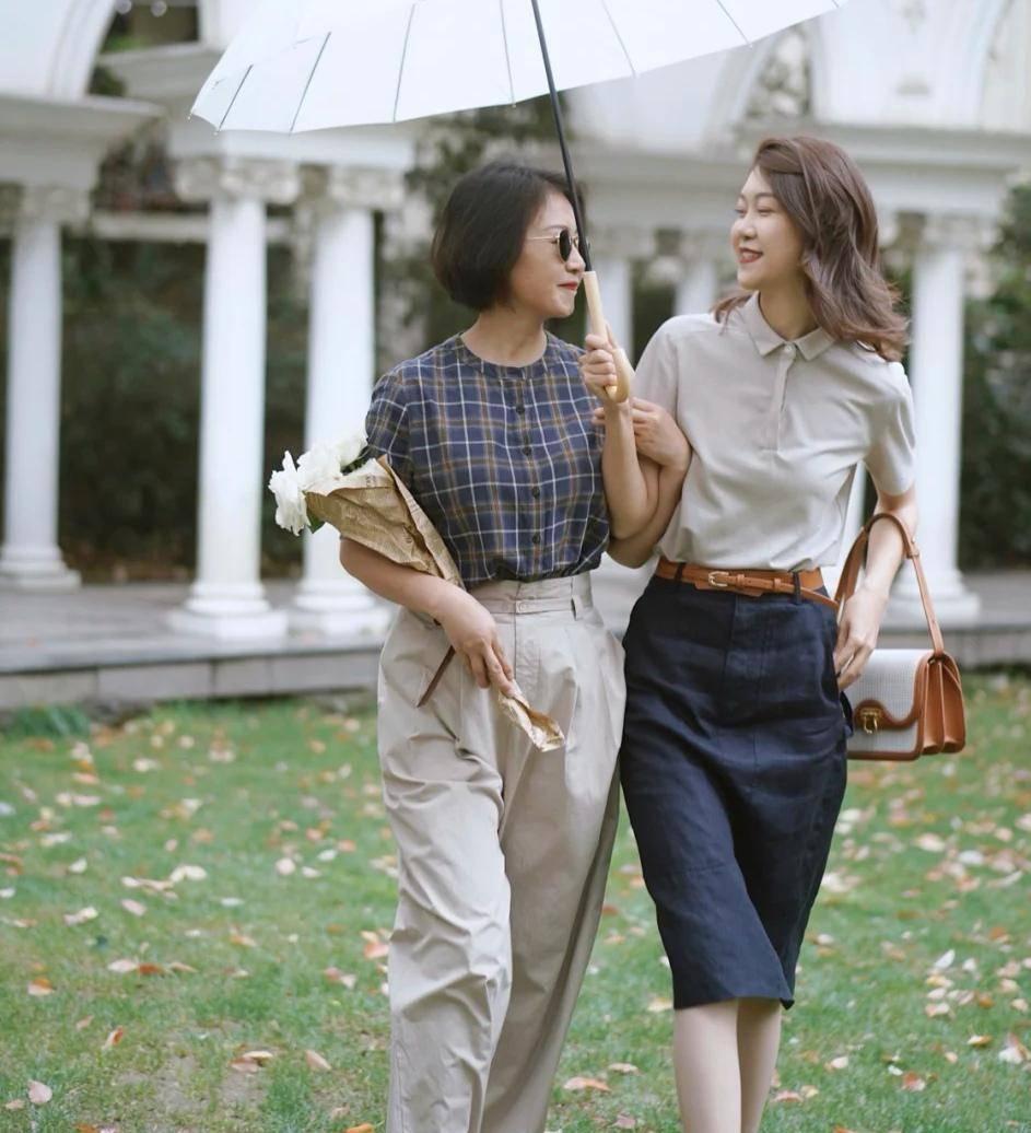 中年妈妈怎么穿时髦有品位?学博主的穿衣搭配,优雅大气时尚减龄