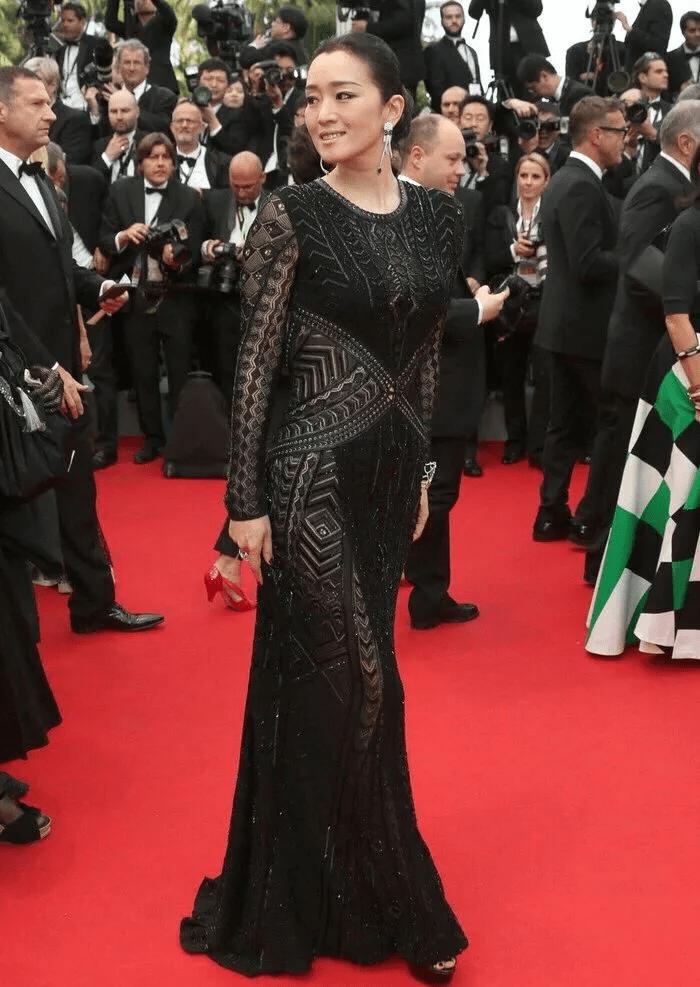 图片[9]-国内女星走欧洲三大红毯,铆足劲好精彩,有人土到国外,有人争光-妖次元