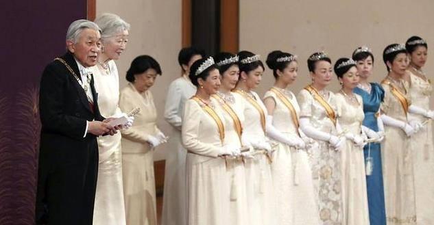 真子公主的结婚让皇室面临失控局面?爱子公主趁机捡了个大便宜?