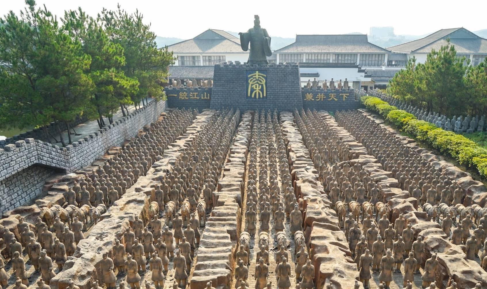 """中国最大的""""山寨""""兵马俑,按1:1比例还原,被官方告却没有败诉"""