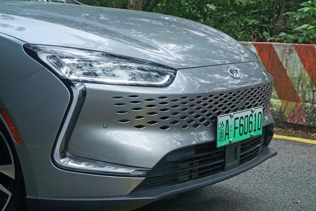  一辆能在华为旗舰店买到的车 赛力斯SF5试驾评测