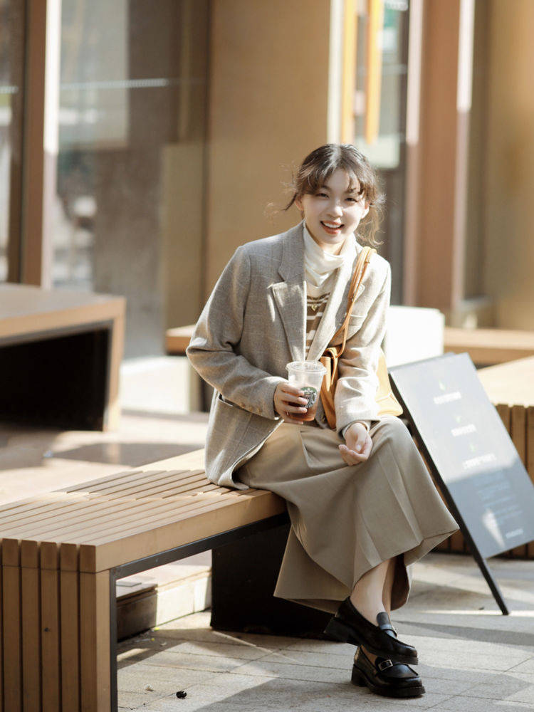 保暖洋气的秋冬穿搭,简约时尚jbu