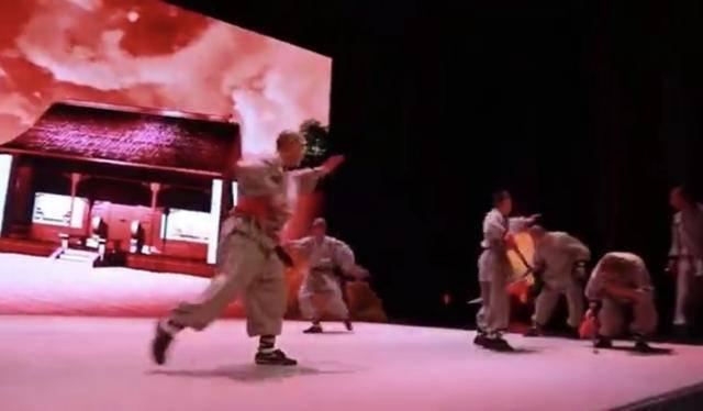 少林文化感动成都观众 功夫儿童剧《少林小子》新声剧场演出