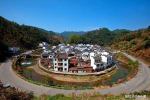 江西有座非常圓的古村,外觀被人調侃像臉盆,曾被皇帝親賜牌匾