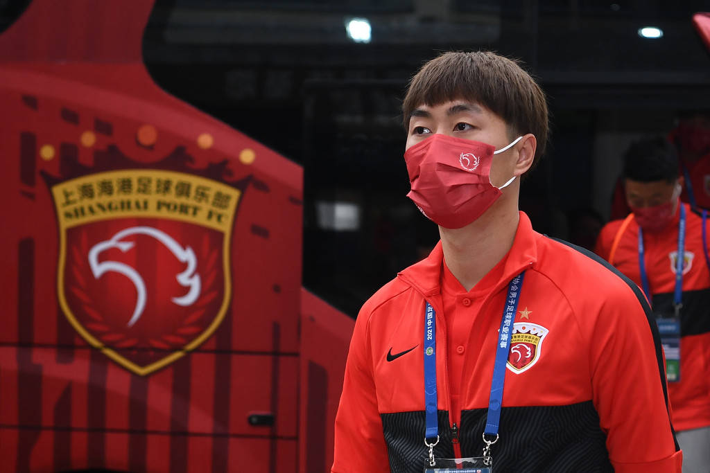 曝傅欢未进比赛名单已离赛区 因与主帅莱科发生冲突