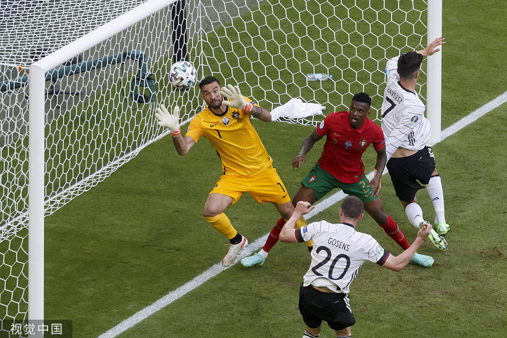 C罗传射戈森斯造3球 葡萄牙两人乌龙2-4德国