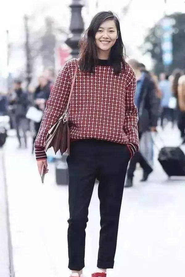 """阔腿裤""""过季""""了,秋冬流行这条""""裤子"""",什么年龄体型都能穿!"""