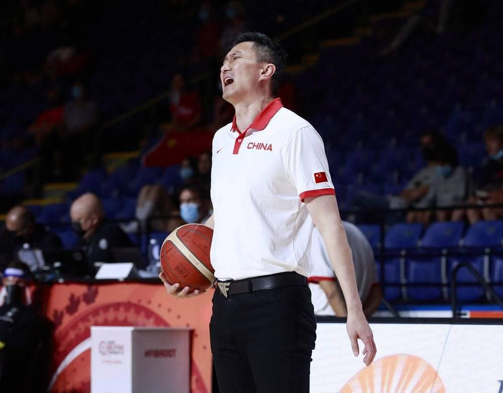 华裔中锋闪烁U19男篮世界杯 2米23身高持续两场砍两双