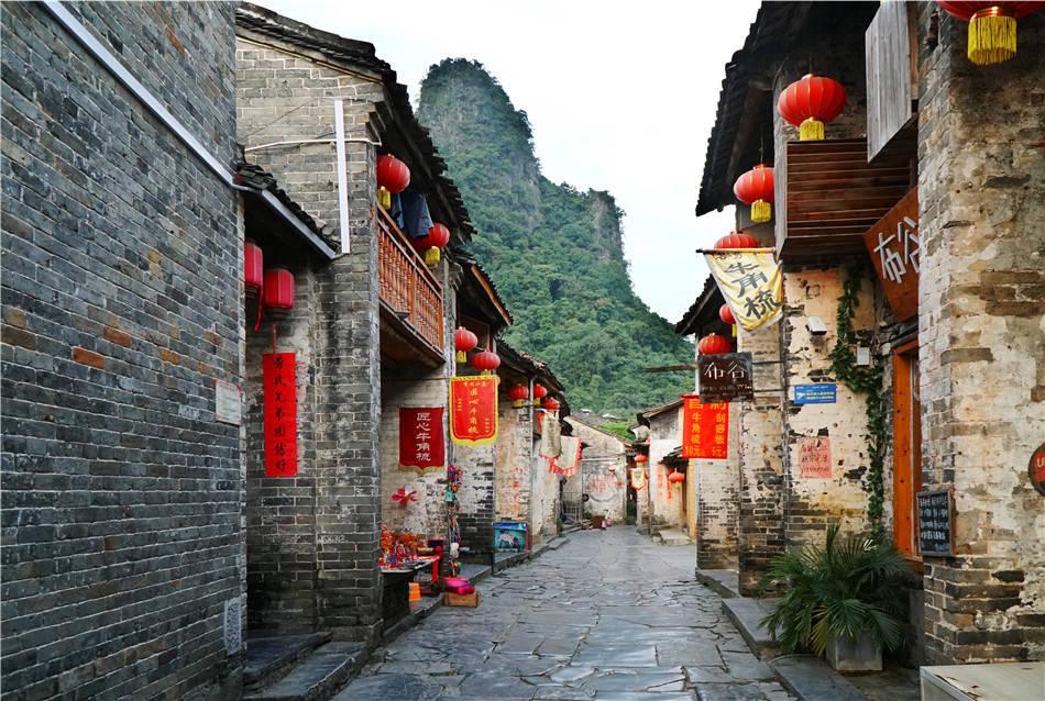 """广西:贺州,黄姚,真武山下姚江之畔的一条""""阴阳鱼"""""""