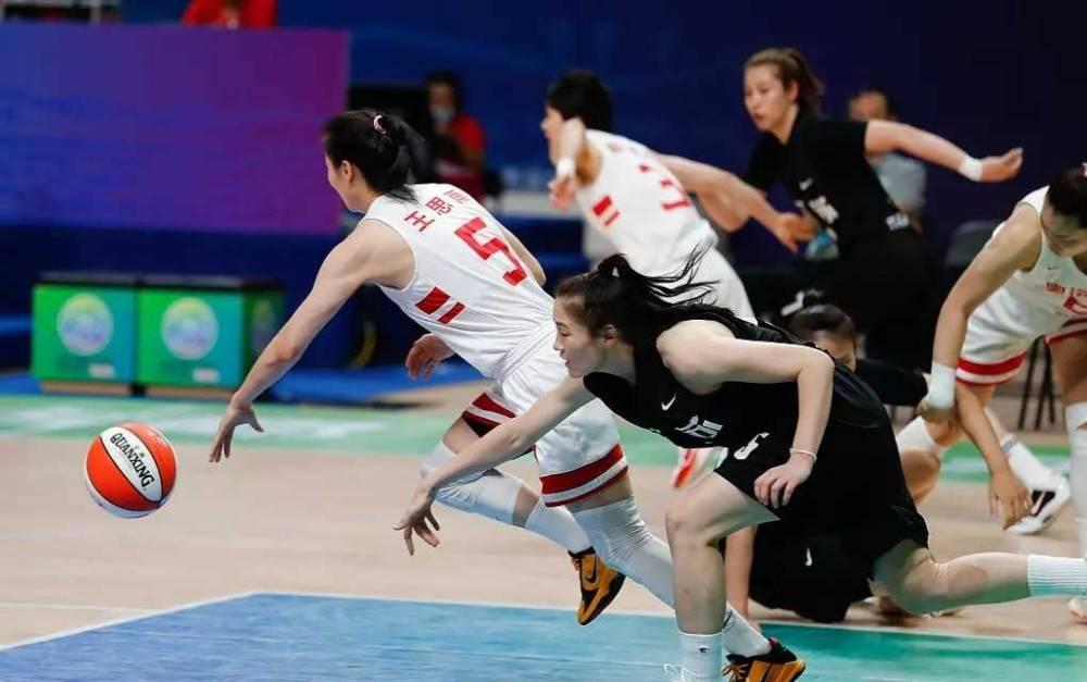全运会女篮-奥运联合队48分擒江苏 五战全胜摘金