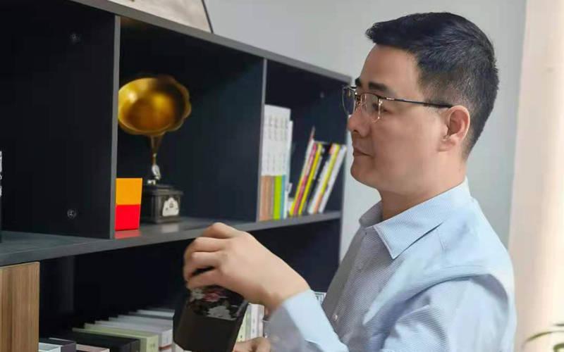 勇于开拓创新者之民族企业家叶必文