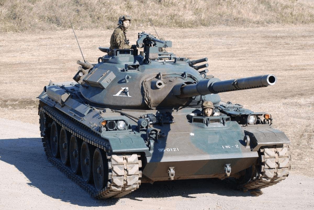 别挡道——74式坦克的纵横之旅