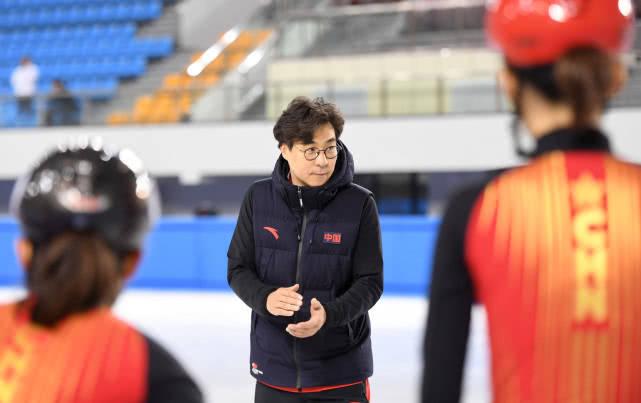 短道速滑世界杯:金善台任中国短道速滑队主教练