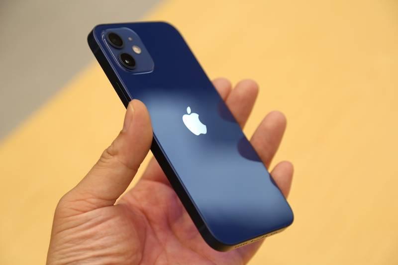 iPhone 12到底有多蓝?摸了真机的人告诉你的照片 - 8