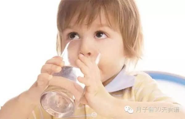小孩子发烧怎么办?