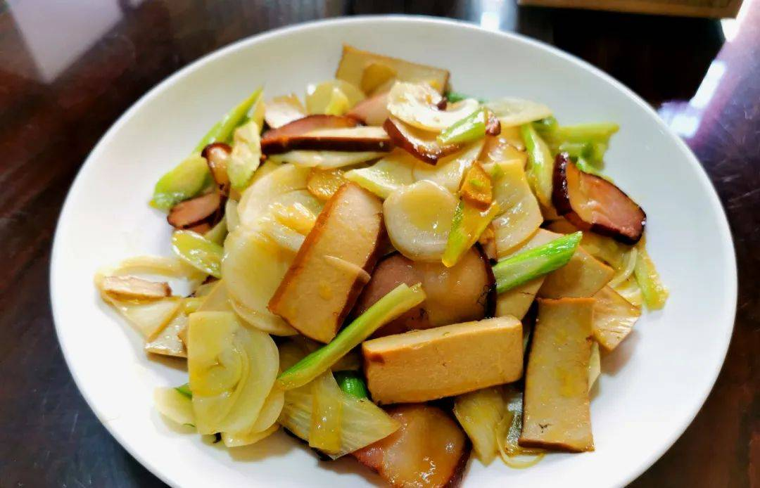 【味◎觉】那年腊月的腊肉香——腊肉炒茴香头