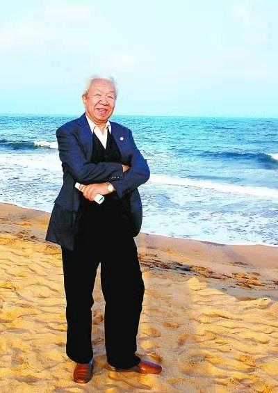:儿童文学作家诗人尹世霖去世,《红旗一角的故事》影响一代人