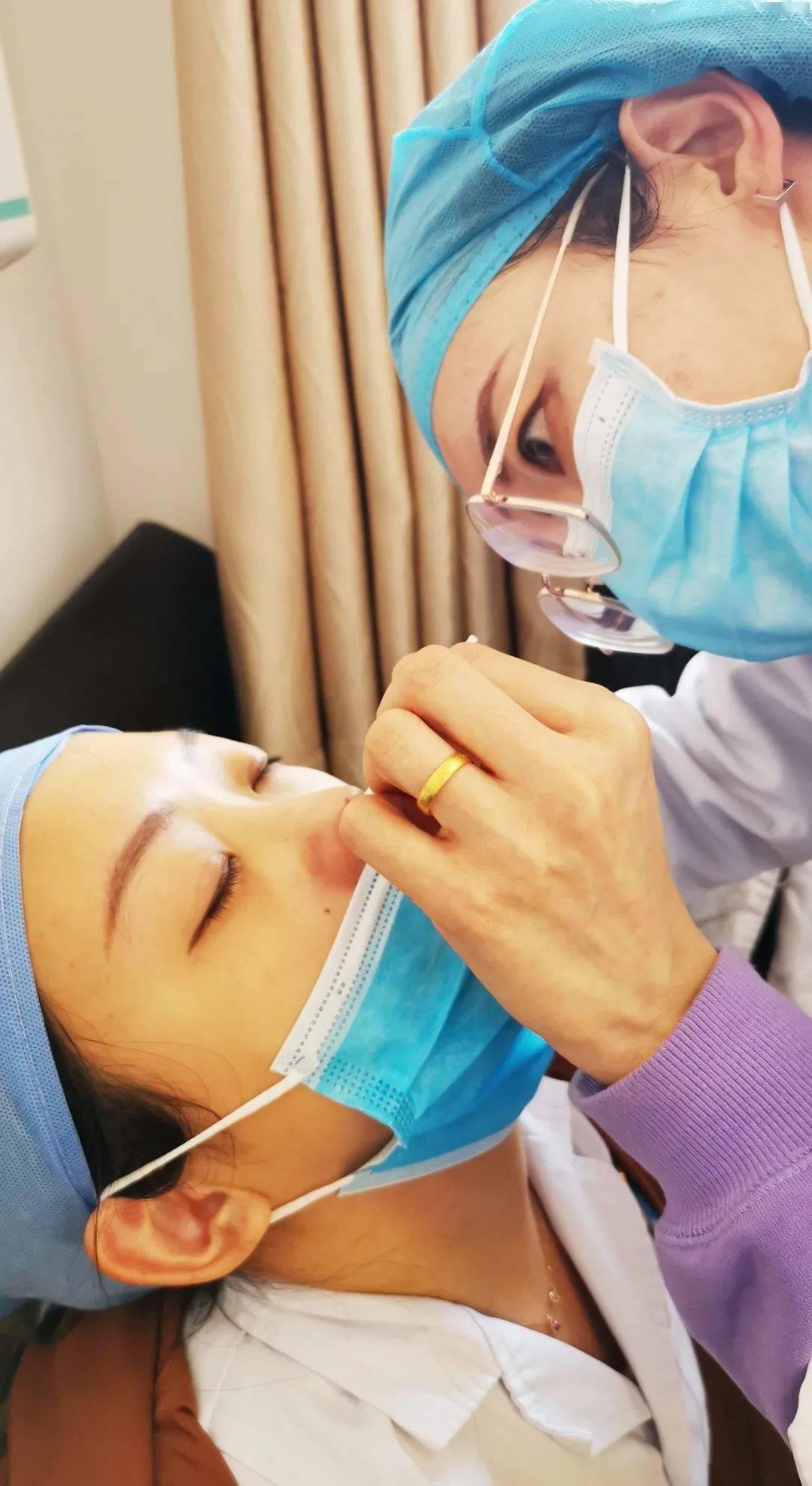 强化防控精准采样 宣武中医医院开展鼻咽拭子采集实操演练