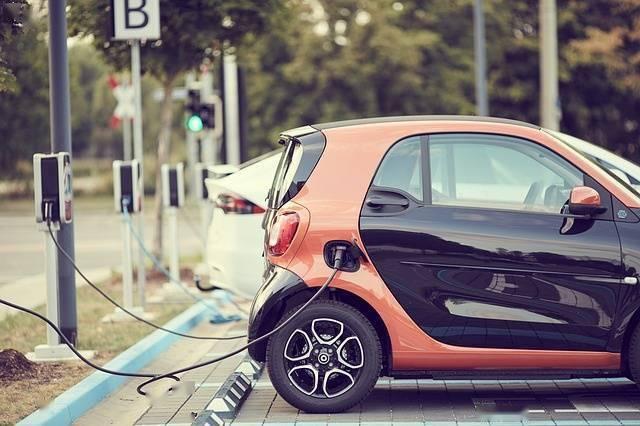 《细胞》旗下杂志:美国科学家开发出AI程序,解决电动车充电问题