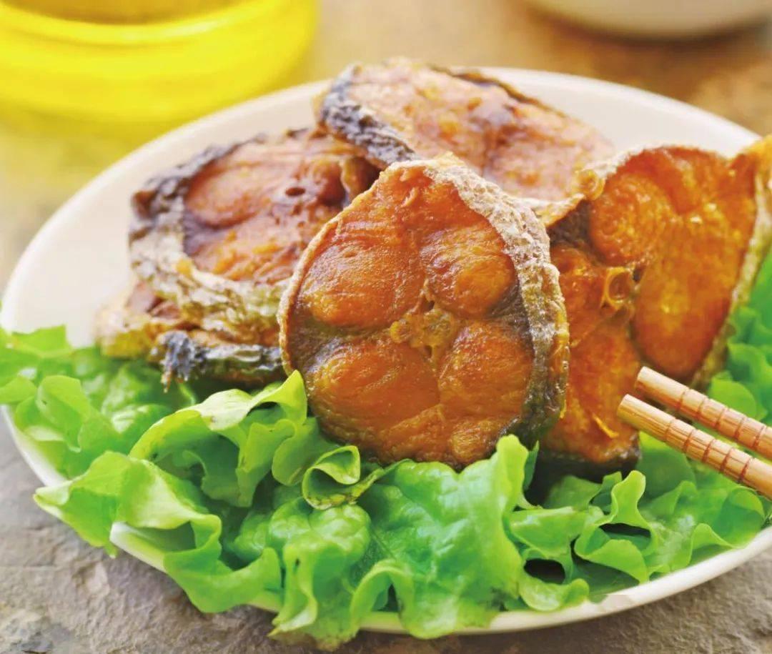 天顺开户:教你做正宗的五香熏鲅鱼,鱼肉外酥里嫩,香甜不腥,年夜饭必备美食_那是