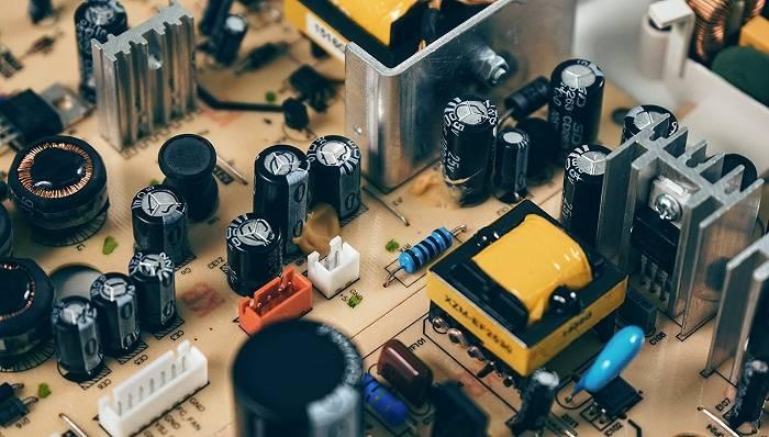 瑞萨电子在芯片困境下重新启动:它想以60亿美元收购半导体公司对话